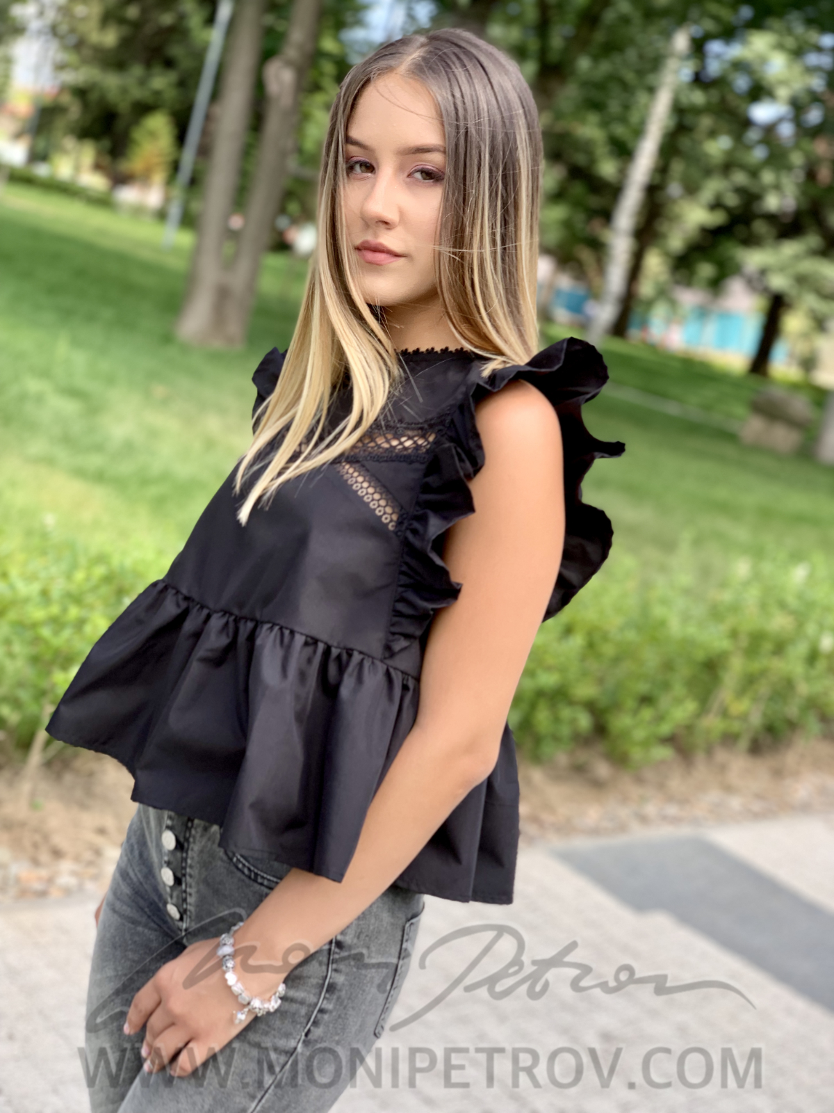 Top Tanita Black 1